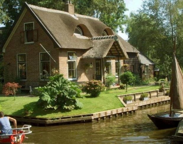 gitron-najubavoto-holandsko-selo-mini-venecija-vo-holandija-1