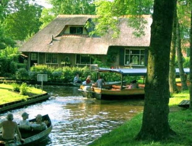 gitron-najubavoto-holandsko-selo-mini-venecija-vo-holandija-8