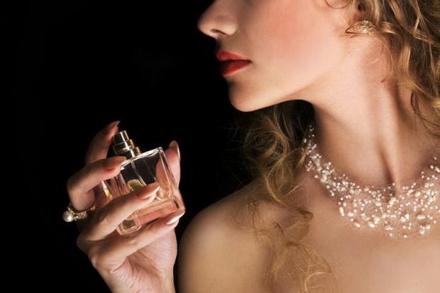 pette-najskapi-parfemi-vo-svetot-01