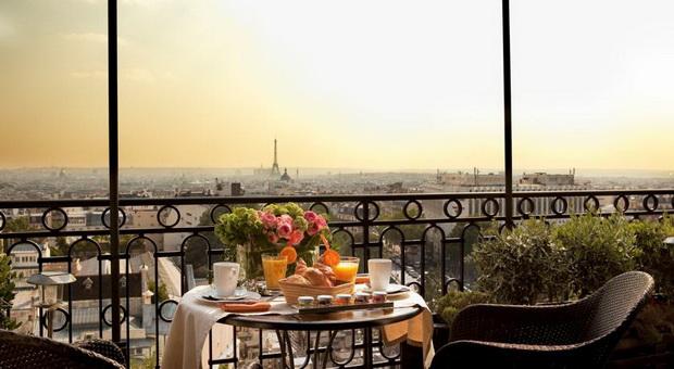 vino-pariz-prekrasen-pogled-03