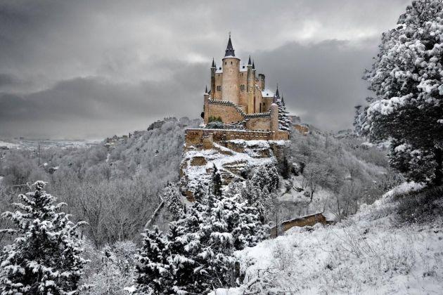bajkite-vo-realnosta-najubavite-dvorci-vo-svetot-.4