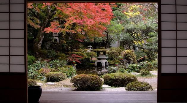 zen-umetnost-tajnite-na-japonskite-gradini-01.jpg