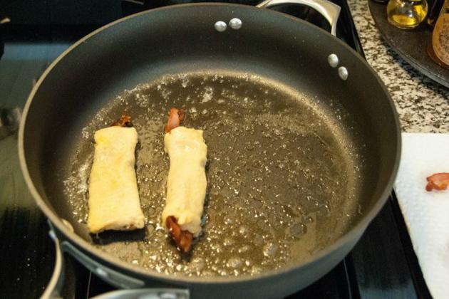 za-mrzelivite-brzi-mini-rolati-so-slanina-8.jpg