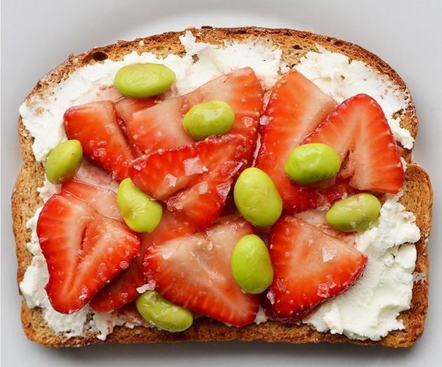 21-ideja-za-vkusen-pojadok-vo-forma-na-tost-so-koj-kje-imate-energija-preku-cel-den-08.jpg