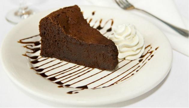 recept-za-pocetnici-cokoladna-torta-bez-brasno-01.jpg