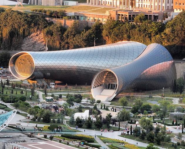arhitektonski-zdanija-koi-go-osvoija-svetot-vo-2016-godina-1.jpg