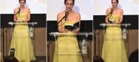 Ема Вотсон конечно во жолт фустан како на Бела