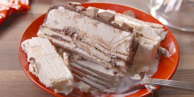 domashna-kit-kat-torta-so-napolitanki