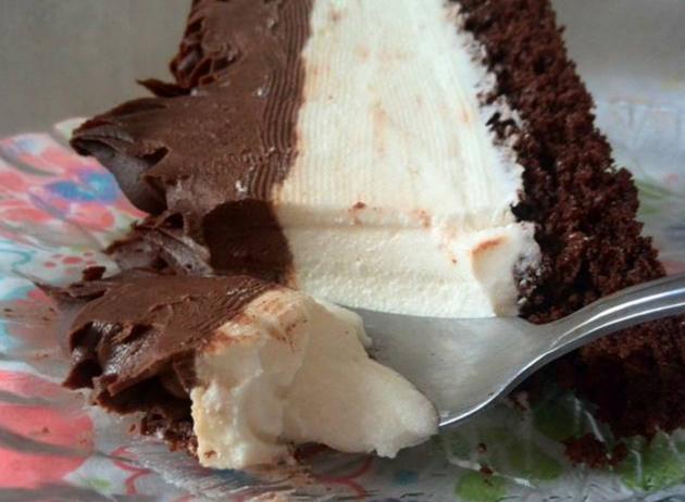 Десерт на денот  Кремаст Монте колач