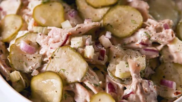 ladna-pileshka-salata-idealna-za-denovite-koga-ne-vi-se-gotvi-03.jpg