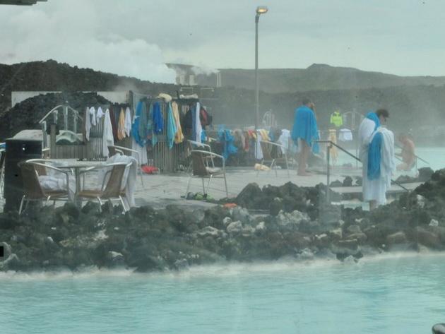ochekuvanje-vs-realnost-razocharuvachki-fotki-i-fakti-za-sinata-laguna-vo-island-19.jpg