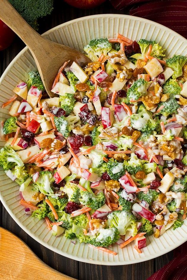 osvezhitelna-esenska-salata-so-zelenchuk-i-jabolka-zbogatena-so-dresing-04.jpg
