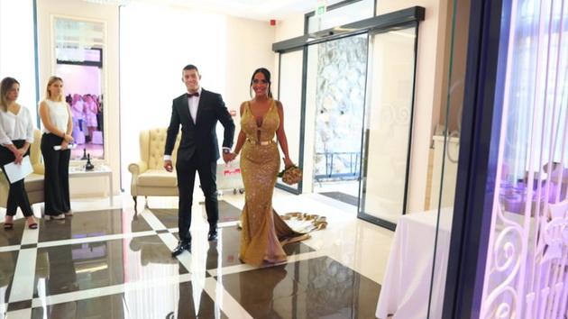 silikoni-zlato-i-cirkoni-dali-e-ova-najkichestata-svadba-na-balkanot-foto-video-6.jpg