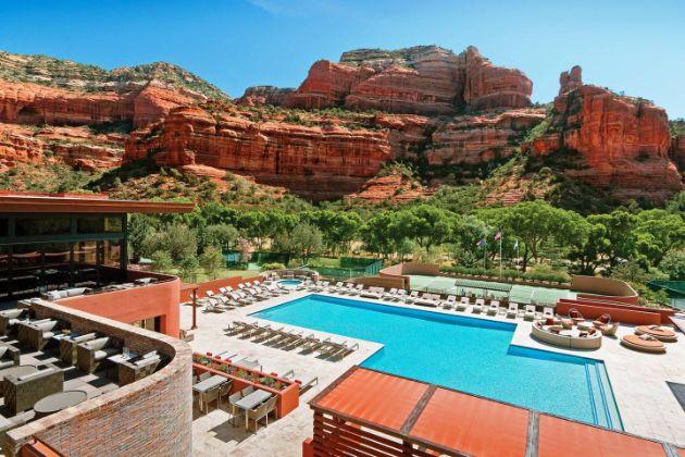 20-najubavi-hotelski-bazeni-vo-svetot (15).jpg