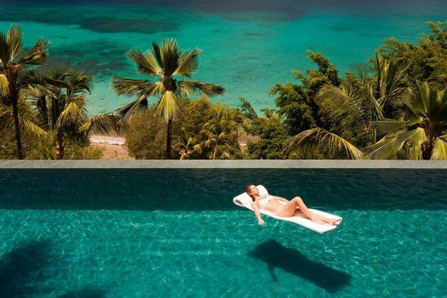 20-najubavi-hotelski-bazeni-vo-svetot (5).jpg