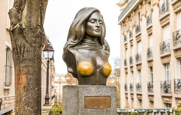statui-i-skulpturi-shirum-svetot-za-koi-se-veruva-deka-nosat-srekja-07.jpg