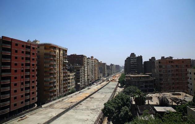 egipetskite-vlasti-gradat-avtopat-na-samo-50-cm-od-stanbeni-zgradi-06.jpg