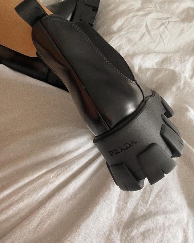 glomaznite-chunky-boots-se-hit-na-sezonata-esen-zima-gi-obozavaat-i-slavnite-foto-03.jpg