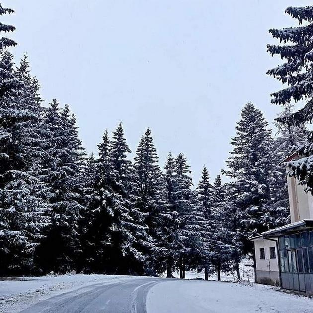 zimska-bajka-padna-prviot-sneg-na-popova-shapka-foto-05.jpg