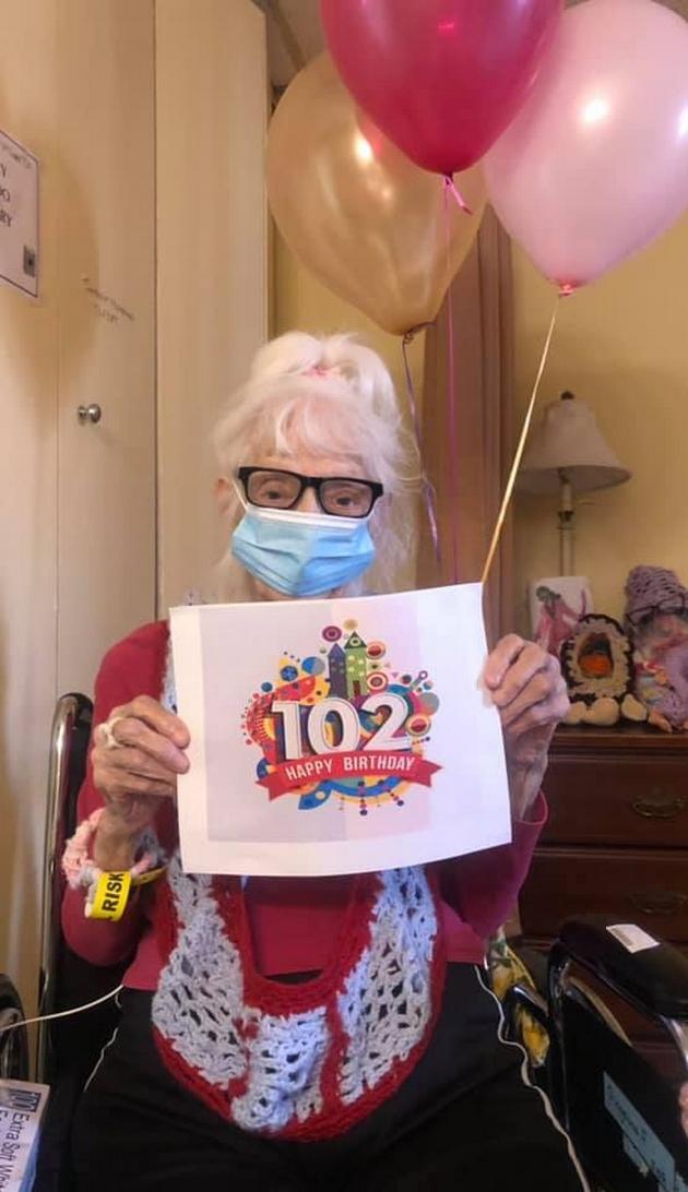 102-godishna-babichka-dvapati-se-zarazila-od-korona-virusot-i-prezhiveala-07.jpg