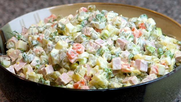 600-kalorii-pomalku-trik-za-kremasta-ruska-salata-bez-ton-majonez-001.jpg