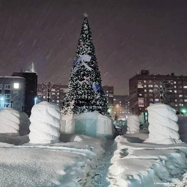 norilsk-najseverniot-grad-vo-rusija-izgleda-volshebno-posle-5-dnevnata-snezhna-bura-foto-07.jpg