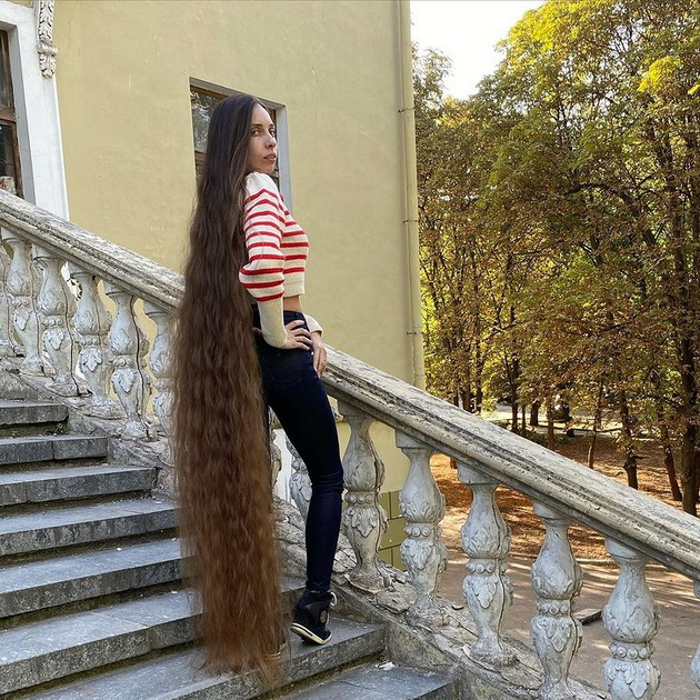 ukrainka-so-kosa-dolga-1-8-metri-ja-raste-od-12-godishna-vozrast-04.jpg