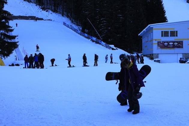 zapocna-ski-sezonata-vo-bansko-maski-se-zadolzitelni-na-gondolite-i-ski-liftovite-03.jpg