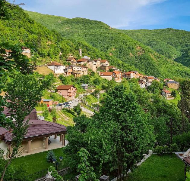site imame omileni mesta vo makedonija a na nekoi od niv postojano im se navrakjame 5 copy